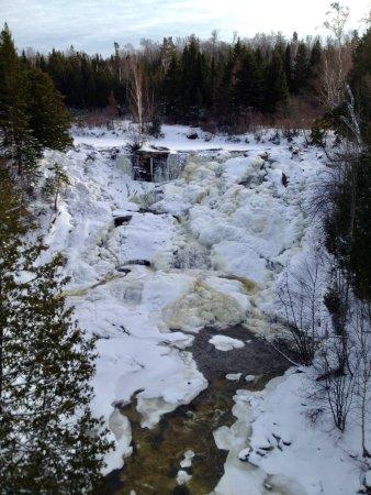 eagle-river-falls-november